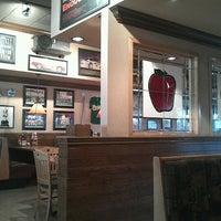 Photo taken at Applebee's by David E. L. on 7/6/2012