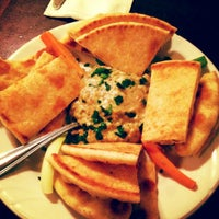 7/17/2012 tarihinde Chic V.ziyaretçi tarafından Samos Restaurant'de çekilen fotoğraf