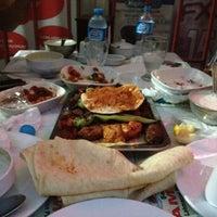 8/12/2012 tarihinde Caner K.ziyaretçi tarafından Şanlıurfa ZAMAN Kebap Salonu'de çekilen fotoğraf