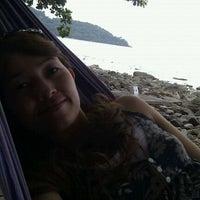 Photo taken at Warapura Restoran by Lekky V. on 4/11/2012