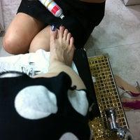 รูปภาพถ่ายที่ Yellow Nail โดย Tessie เมื่อ 7/23/2012