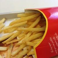 Foto tomada en McDonald's por Pablo C. el 7/28/2012