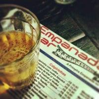 Das Foto wurde bei Empanadas Bar von Vanessa D. am 7/4/2012 aufgenommen
