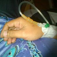 Photo taken at Emergency Care Unit, Pusat Kesihatan UPM by Pejai B. on 6/14/2012