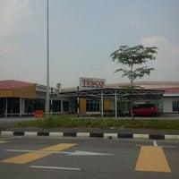 Photo taken at Tesco by Mansor O. on 9/3/2012