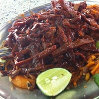 """Photo taken at Hameed """"PATA"""" Special Mee Sotong by Chan Lilian 曾. on 4/12/2012"""