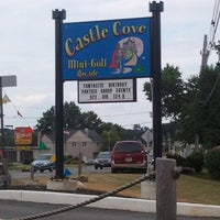 Photo taken at Castle Cove Mini Golf & Arcade by Dossy S. on 7/14/2012