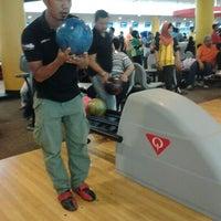 Das Foto wurde bei Melaka International Bowling Centre (MIBC) von Addy D. am 3/18/2012 aufgenommen