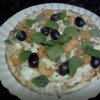 Photo taken at Pizzas Finicrok by Reinaldo A. on 6/12/2012