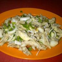 Photo taken at Kak Timah Tom Yam by Mohd Hadi S. on 4/21/2012