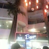 6/30/2012 tarihinde Fikretziyaretçi tarafından Burj Cafe'de çekilen fotoğraf