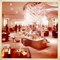 Снимок сделан в Saks Fifth Avenue-Shoe пользователем Sanaz L. 3/10/2012