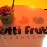 Photo taken at Tutti Frutti by Sonia T. on 2/19/2012