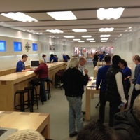 Photo taken at Apple Brent Cross by Graham W. on 3/17/2012