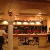 Photo taken at Olive Garden by Robert K. on 5/26/2012