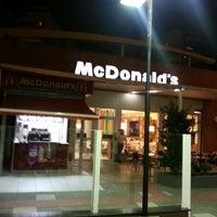 Photo taken at McDonald's by Gustavo Meyer C. on 8/4/2012
