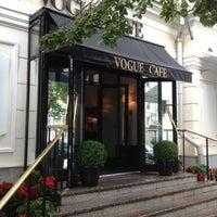 Снимок сделан в Vogue Café пользователем Juan G. 8/20/2012