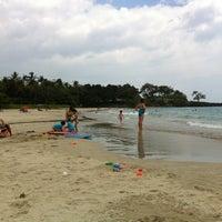 Das Foto wurde bei Mauna Kea Beach von Ryan B. am 7/1/2012 aufgenommen