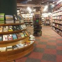 Foto tirada no(a) Livraria Cultura por Martinelli J. em 7/24/2012