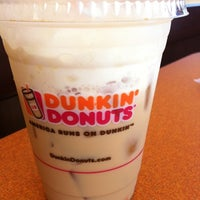 Photo taken at Dunkin' Donuts by Liza T. on 9/13/2012