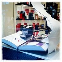 Foto tirada no(a) Nespresso Boutique por Pablo A. em 7/28/2012