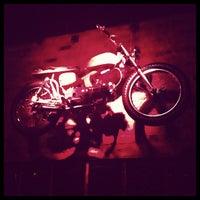 Photo prise au Cobra Lounge par Stef R. le8/25/2012
