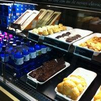 Foto tirada no(a) Starbucks por Íris K. em 7/7/2012