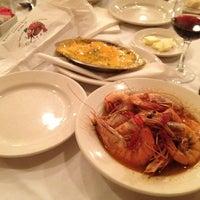 3/2/2012 tarihinde Christopher R.ziyaretçi tarafından Pascal's Manale Restaurant'de çekilen fotoğraf