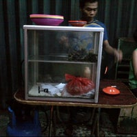 Photo taken at Kwetiau 78 Mangga Besar by Yenda H. on 5/20/2012