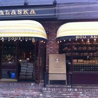 7/19/2012에 Hyejin P.님이 Le ALASKA Boutique에서 찍은 사진
