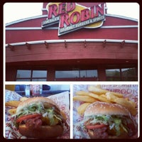 Photo taken at Red Robin Gourmet Burgers by Yervant K. on 7/19/2012