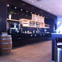 Photo taken at Maple Leaf Lounge (Domestic) by Robert T. on 5/16/2012