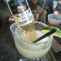 Das Foto wurde bei Ozona Grill & Bar von lew :. am 7/25/2012 aufgenommen