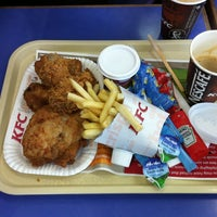 Photo taken at KFC by Hung L. on 6/18/2012