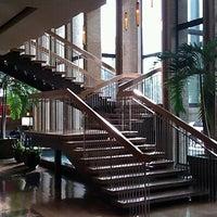 4/26/2012에 Andy R.님이 The Highland Dallas, Curio Collection by Hilton에서 찍은 사진
