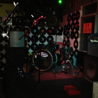Photo taken at Q.g. Rock Bar by Cassio L. on 8/17/2012