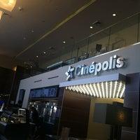 Photo prise au Cinepolis Luxury Cinemas par Justin O. le4/1/2012