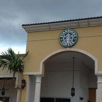 Photo taken at Starbucks by ricardo on 8/12/2012
