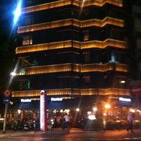 5/5/2012 tarihinde Muhteshem L.ziyaretçi tarafından Faros Restaurant'de çekilen fotoğraf