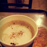 Photo taken at YOGER PRESSO COFFEE by Nahye K. on 4/22/2012