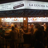 Foto tomada en La Lucha Sanguchería Criolla por Janu S. el 2/20/2012