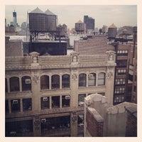 Снимок сделан в Holiday Inn Manhattan 6th Ave - Chelsea пользователем Liliane B. 9/6/2012