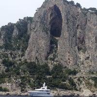Foto scattata a Marina Piccola di Capri da Anne O. il 6/1/2012