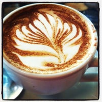 9/6/2012 tarihinde Kathryn S.ziyaretçi tarafından Espresso Vivace'de çekilen fotoğraf