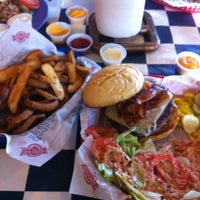 Photo taken at Fuddruckers by Larry M. on 6/30/2012