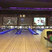 Photo taken at 10Pin Bowling Lounge by TJ on 7/22/2012