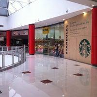 Foto tirada no(a) Shopping Metrô Boulevard Tatuapé por Renato L. em 6/6/2012
