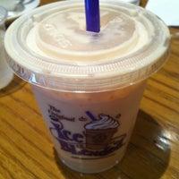 Photo taken at The Coffee Bean & Tea Leaf by Tatsuhito M. on 6/6/2012