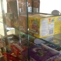 Photo taken at ครัวสุโขทัย สุดยอดความอร่อย ก่อนถึงแม่สาย แวะพักทานอาหารและกาแฟสดก่อนได้นะครับ by Audiceo R. on 5/17/2012