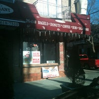 Photo taken at Simon's Deli & Bagels by Sol N. on 3/6/2012